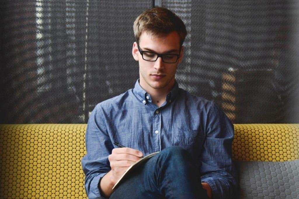 Da li akne mogu uništiti razgovor za posao
